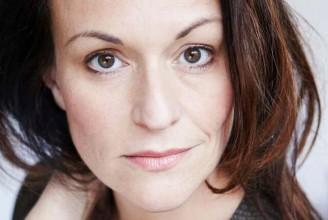 Christine Buffle est Lilli Vanessi/Katharine dans Kiss me Kate. © Julien-Falsimagne
