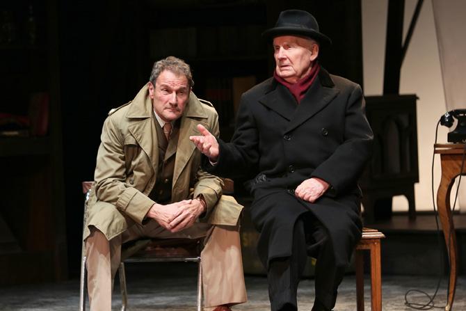 A tort et à raison - Critique sortie Théâtre Paris Théâtre Hébertot