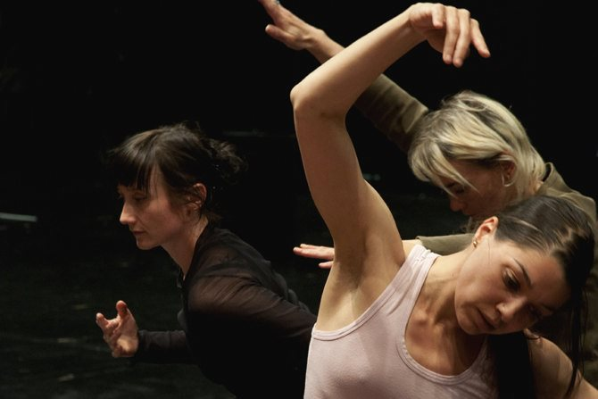 Gris - Critique sortie Danse Paris Centre Georges Pompidou