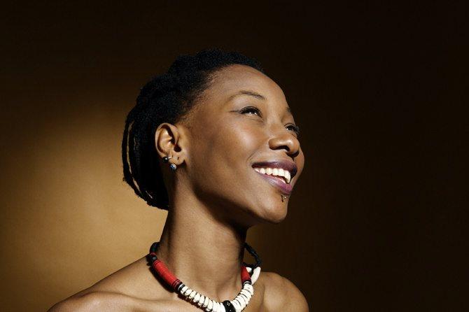 Fatoumata Diawara et Edgar Moreau - Critique sortie Jazz / Musiques  Hôtel de Ville