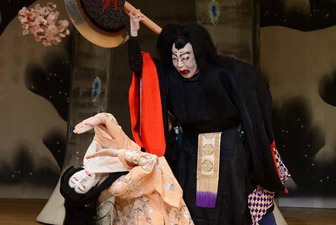 La barrière d'Osaka sous la neige des amours - Critique sortie Théâtre Paris Maison de la Culture du Japon