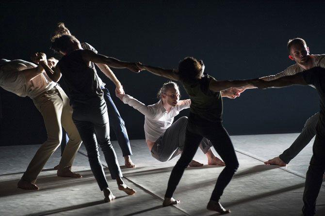 Jamais assez - Critique sortie Danse Montigny-le-Bretonneux Théâtre de Saint-Quentin-en-Yvelines