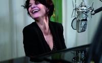 Célia Reggiani (piano et voix) en concert à l'occasion de la sortie de l'album Illimité.