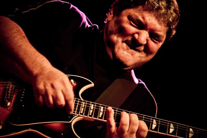 Le guitariste Jimi Drouillard, en concert gratuit le 13 mai à 19 h.