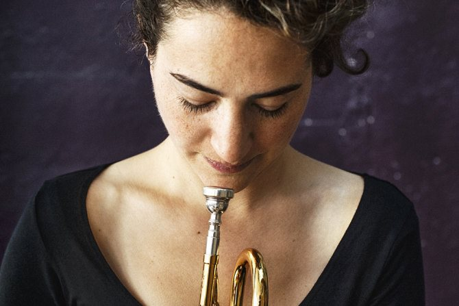 La trompettiste publie « Radio One », un album qui fait une place originale à la voix. © Sylvain Gripoix.
