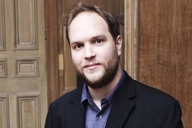 Jonas Vitaud joue Tchaïkovski - Critique sortie Classique / Opéra  Temple de Lourmarin