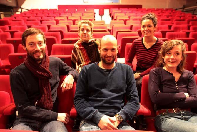 L'Homme aux petites pierres encerclé par les gros canons - Critique sortie Avignon / 2016 Avignon Avignon Off. Théâtre des Carmes-André Benedetto