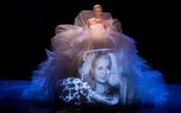 Crédit photo : DR Légende photo : Sebastiàn Galeota dans Evita, amour, gloire, etc.