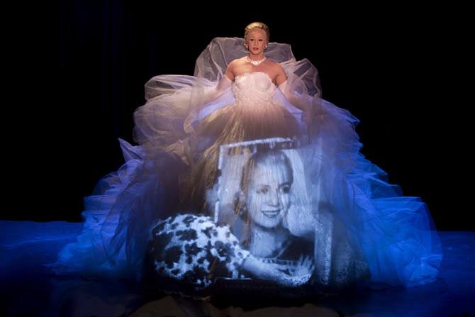 Evita, amour, gloire, etc. - Critique sortie Avignon / 2016 Avignon Avignon Off. Théâtre Les 3 Soleils