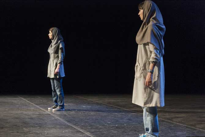 Hearing - Critique sortie Avignon / 2016 Avignon Festival d'Avignon. Théâtre Benoît XII