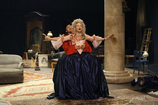 Le Jeu de l'amour et du hasard - Critique sortie Avignon / 2016 Avignon Avignon Off. Théâtre du Petit Louvre