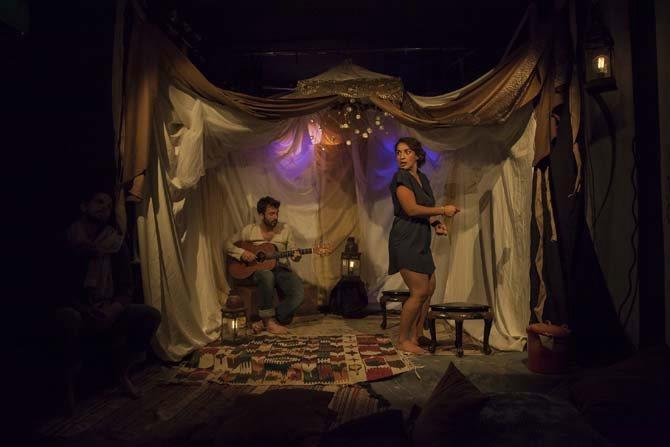 Crédit visuel : DR Légende : Pierre Delaup et Lina Lamara dans La Clef de Gaïa.