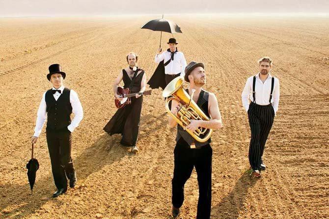 Les Fouteurs de Joie « Des étoiles et des idiots » - Critique sortie Avignon / 2016 Avignon Avignon Off. Présence Pasteur