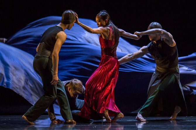 Tristan & Isolde « Salue pour moi le monde ! » - Critique sortie Danse Nîmes