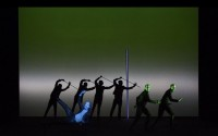 Robert Wilson retrouve le Berliner Ensemble dans le chef-d'œuvre de Goethe.  © Lucie Jansch