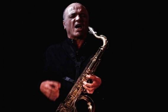 Le saxophoniste Jean-Rémy Guédon, leader d'Archimusic et patron de la Boutique de Meudon. © Jean-Luc Caradec / F451 productions