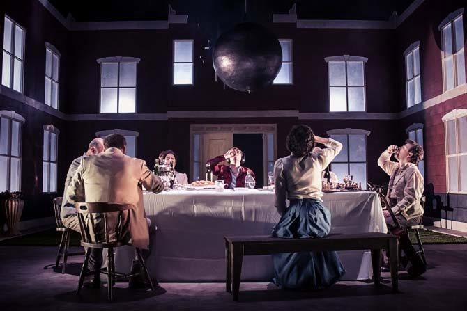 Crédit : Jose Miguel Jimenez / Légende : Chekhov's first play de la compagnie irlandaise Dead Centre.