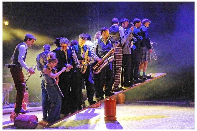 Légende : Esquif et ses musiciens circassiens. CR : Pierre Puech