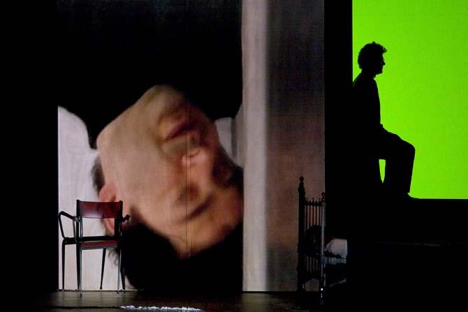 Seuls de Wajdi Mouawad, solo intimiste créé en 2008. - Critique sortie Théâtre _Châtenay-Malabry Théâtre Firmin Gémier – La Piscine