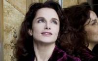 Emmanuelle Haïm, une direction tout en grâce.