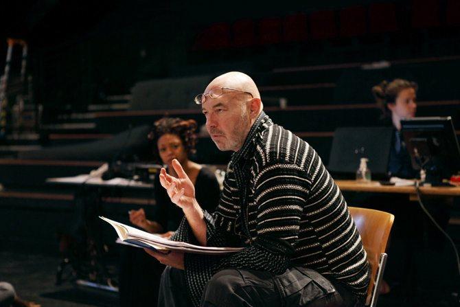 Crédit : Caroline Ablain Légende : Le metteur en scène et comédien Eric Lacascade.
