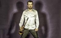 Compositeur, arrangeur, saxophoniste, Pierre Bertrand revient avec son groupe Caja Negra, entre jazz et flamenco.  © Alex Lacombe