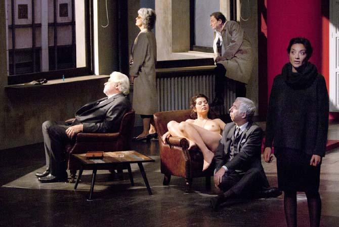 Le Temps et la Chambre - Critique sortie Théâtre Paris Théâtre de la Colline
