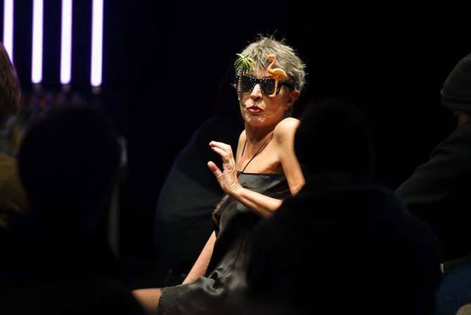 Claude Degliame interprète Aglaé, un spectacle écrit et mis en scène par Jean-Michel Rabeux.  Crédit : Alain Richard
