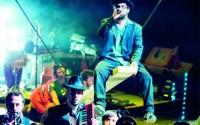 Débordant de générosité, l'alliance entre le cirque et la musique dans L'Esquif Crédit : Francis Rodor