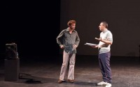 Maurin Olles et Pierre Maillet, interprètes de Letzlove – Portrait(s) Foucault. Crédit : Tristan Jeanne-Valès