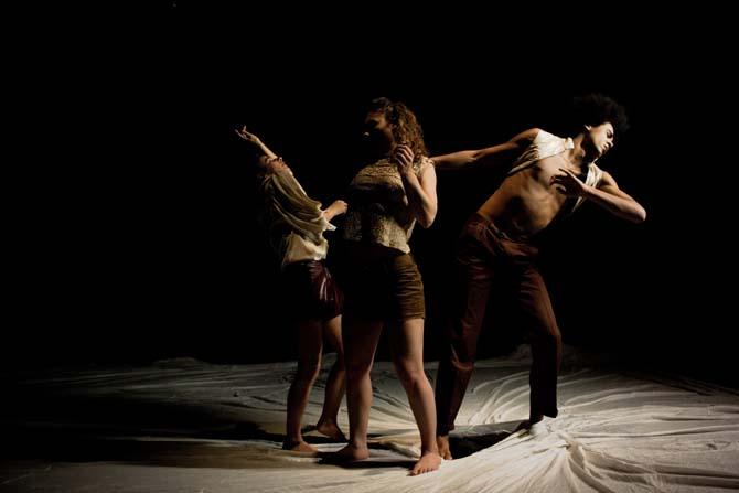 Rushing Stillness - Critique sortie Danse Paris Centre Wallonie-Bruxelles