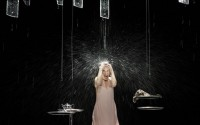 Natalie Dessay dans Und. © Christophe Raynaud De Lage