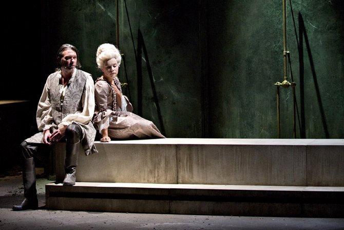Ne me touchez pas - Critique sortie Théâtre Ivry-sur-Seine Manufacture des Œillets