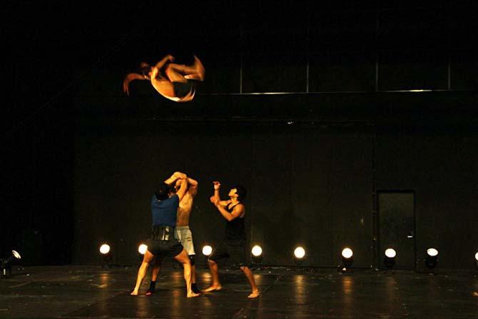 SOMOS - Critique sortie Cirque
