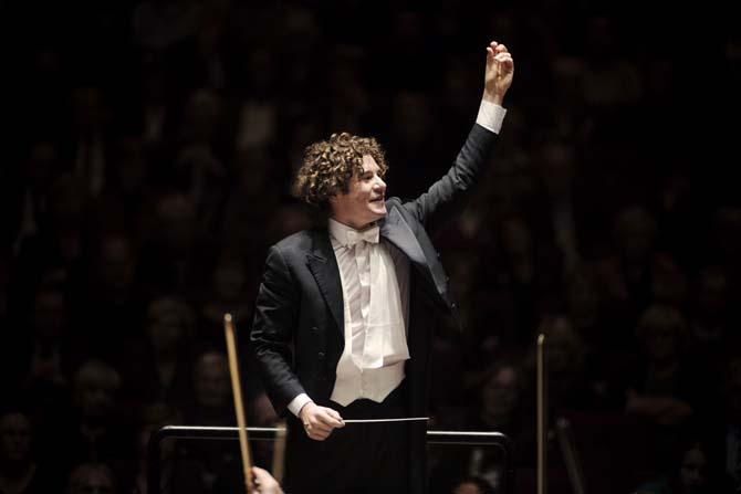 Robin Ticciati et l'Orchestre national de France : une relation intellectuelle et émotionnelle - Critique sortie Classique / Opéra  Basilique