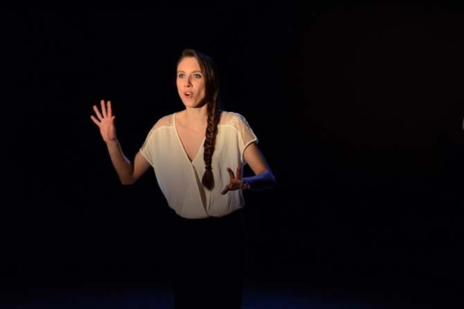 : Christine Massa met en scène Cut d'Emmanuelle Marie.