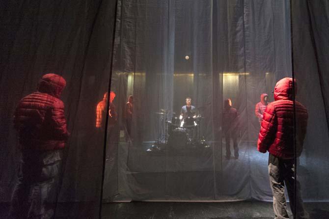 COLLECTIF PETIT TRAVERS - Critique sortie Cirque
