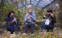 Le trio de Guillaume Aknine (au banjo) s'approprie l'univers de Neil Young. © Jean-Pascal Retel