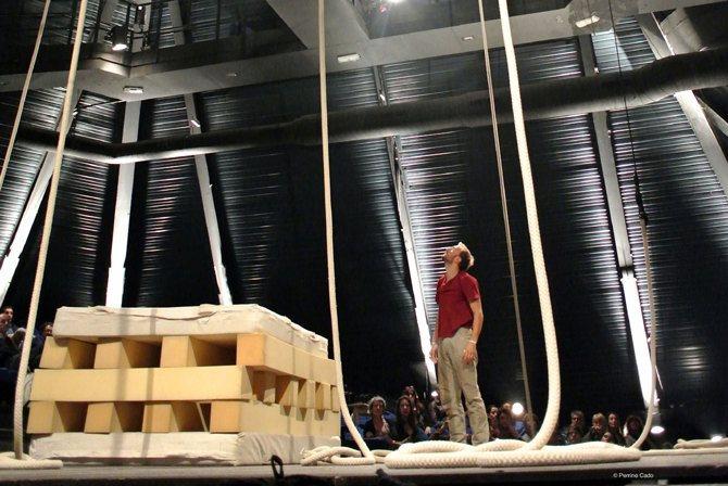 Le vide / Essai de cirque - Critique sortie Théâtre Saint-Quentin-en-Yvelines Théâtre de Saint-Quentin-en-Yvelines
