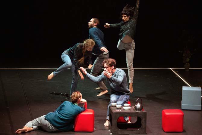 Pièces - Critique sortie Danse Paris Théâtre des Abbesses