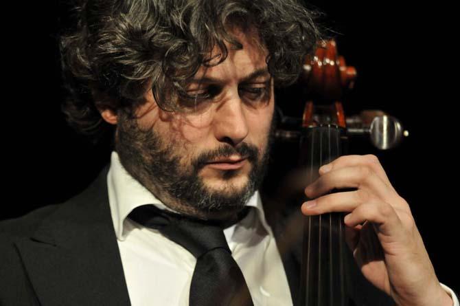 Le violoncelliste Cyrille Lacrouts.