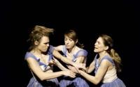 Caroline Monnier, Laura Perrotte et Isabelle Seleskovitch dans Nous qui sommes cent Crédit photo : DR