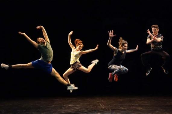 Crédit : Pierre Cottreau Légende : Le saut dans tous ses états selon Geisha Fontaine et Pierre Cottreau.