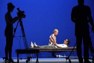 Crédit : Tristan Jeanne-Valès Légende : Vera, mis en scène par Elise Vigier et Marcial Di Fonzo Bo.