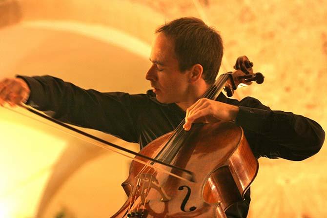 Parmi les invités de l'édition 2017 du Festival des Lumières : l'excellent violoncelliste Henri Demarquette. (c) Elian Bachin