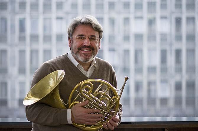 Le corniste croate Radovan Vlatković, par beaucoup considéré comme le plus grand spécialiste actuel de son instrument, jouera le 1er juillet en compagnie du Grand Ensemble de Cors de Paris.