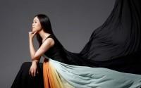 La pianiste coréenne Yeol Eum Son, invitée de Mikko Franck à Paris avant une tournée dans son pays.  ©  JaehyongPark