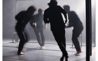 Crédit : Patrick Berger Légende : Des corps contraints d'où brûle la danse de Christian et François Ben Aïm.