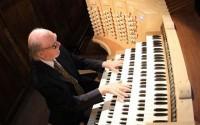 L'organiste, improvisateur et compositeur Jean-Pierre Leguay.  ©  Philippe Guyonnet