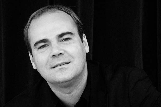 Le chef d'orchestre Samuel Jean, à l'affiche du Festival Debussy. © D. R